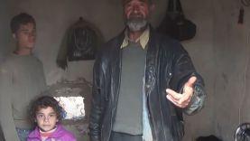 نازح يشكي معاناته وعائلته في موطن النزوح بريف حمص الشمالي