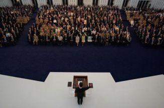بشار الأسد يخفف دم أثناء خطاب القسم