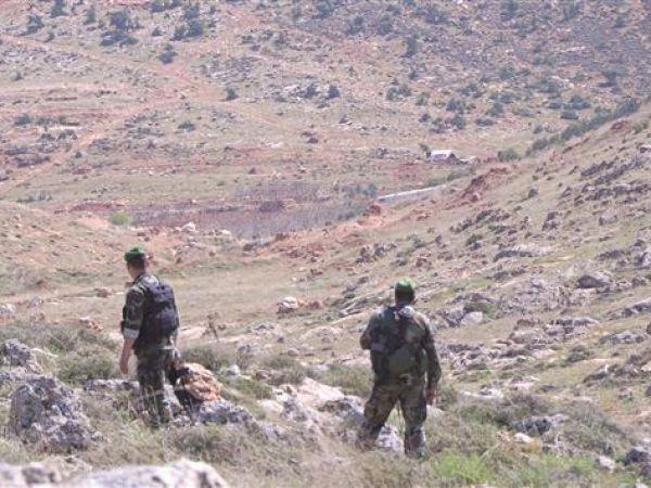 بإشراف الضباط .. تهريب السوريين المطلوبين للنظام إلى لبنان ـ فيديو