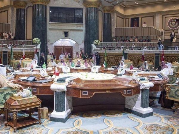 وزير الخارجية اللبناني  يتسبب بأزمة دبلوماسية... والتعاون الخليجي يطالبه بالاعتذار عن الاساءة المشينة فورا