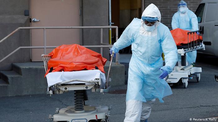 أمريكا : وفيات كورونا تجاوزت الـ 154 ألفا