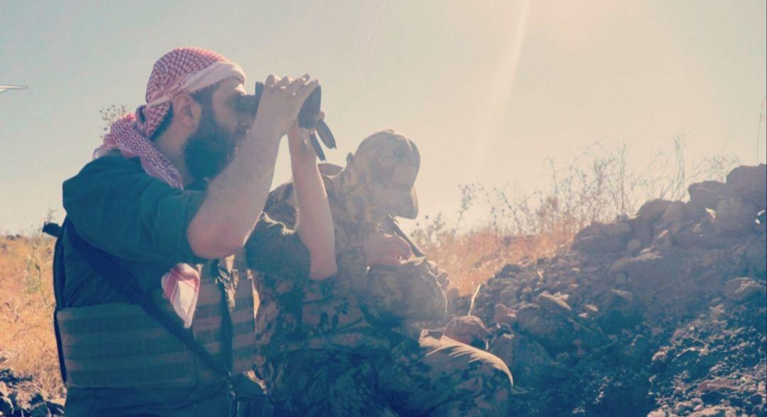 """""""الجولاني"""" يتفقد الجبهات و""""الوطنية للتحرير"""" تدفع بتعزيزات عسكرية ضخمة إلى ريف إدلب"""