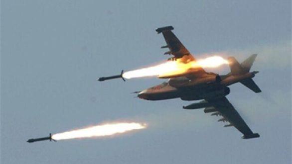 مصادر: طائرات حربية مجهولة توقع قتلى وجرحى في غارات على  مواقع إيرانية في سوريا