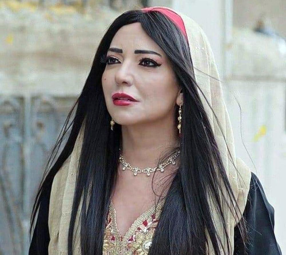 الفنانة السورية أمل عرفة تكشف عن إصابتها بفيروس كورونا