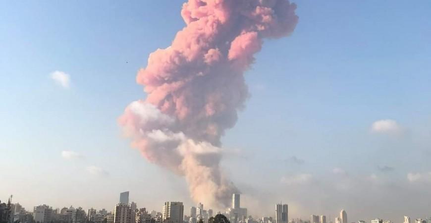 انفجار  ضخم يهز العاصمة اللبنانية بيروت (فيديو)