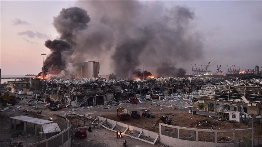 السفارة الأمريكية في بيروت تتحدث عن انبعاث غازات سامة عقب الانفجار