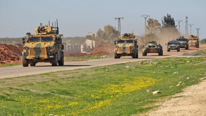 """""""تشكيل عسكري مجهول""""   يتبنى استهداف  الدورية التركية- الروسية  المشتركة في إدلب"""