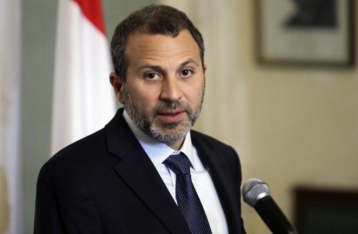 مسؤول لبناني  يحرض ضد اللاجئين السوريين أثناء زيارة ماكرون  إلى بيروت