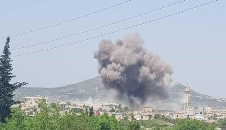 """قوات النظام  و الميليشيات التابعة لها  تكثّف من قصفها لـ""""جبل الزاوية"""" جنوب إدلب"""