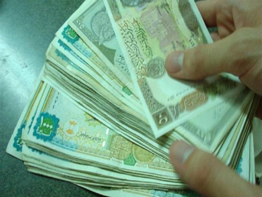 تحسن في أسعار الليرة السورية وتراجع في أسعار الذهب في تداولات الأربعاء