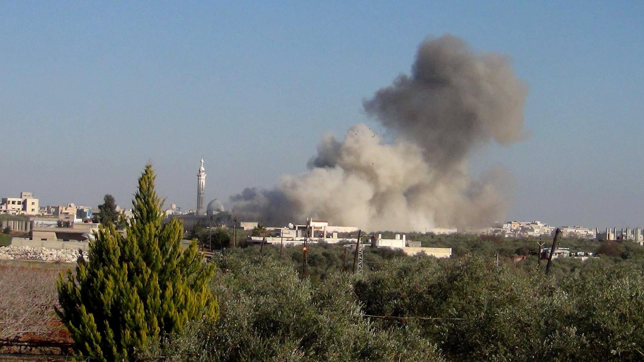 """قوات النظام تواصل قصفها لبلدات وقرى في ريفي حماة وإدلب ضمن منطقة """"خفض التصعيد"""""""