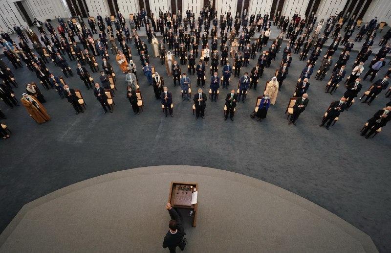 """بشار الأسد يتعرض لانخفاض في ضغط الدم خلال كلمته في""""مجلس الشعب"""""""