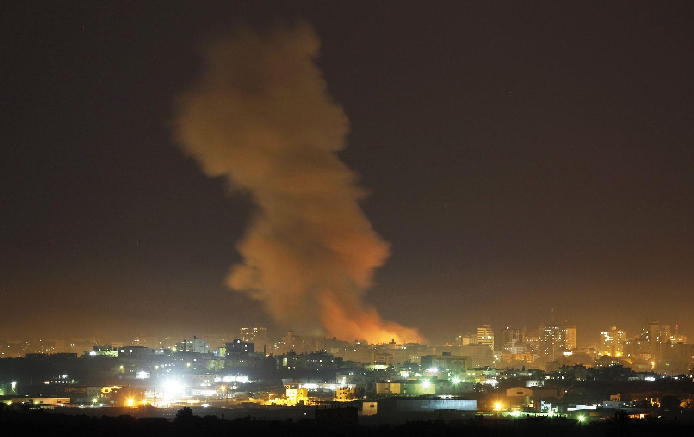 اسرائيل تقصف دمشق بالصواريخ ومقتل 3 عسكريين