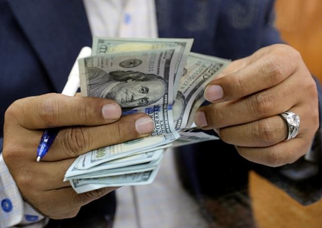 الدولار يسجل ارتفاعا جديداً والذهب يحلق عالياً اليوم الأربعاء