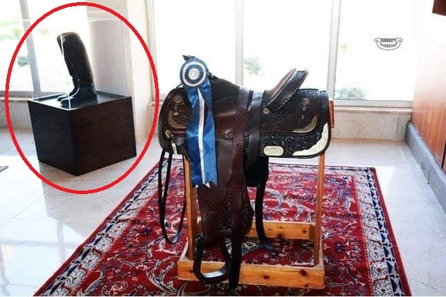 النظام يفتتح متحفا في اللاذقية لمقتنيات باسل الأسد ، بينها أحذيته