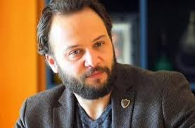 الفنان السوري المعارض  مكسيم خليل أفضل ممثل عربي لعام 2020