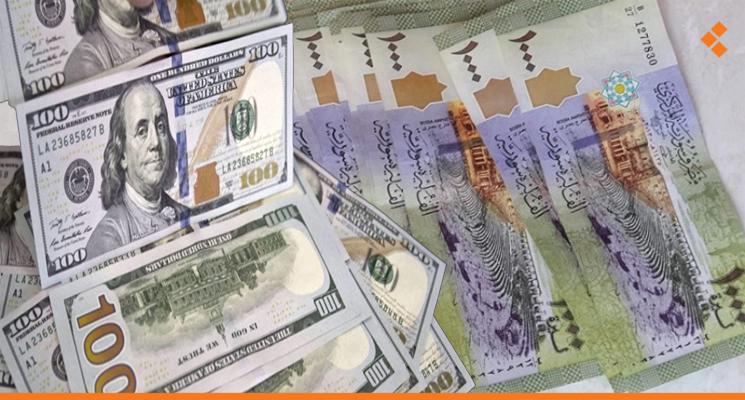 الدولار يواصل ارتفاعه والذهب يحلق عالياً في تداولات اليوم الخميس