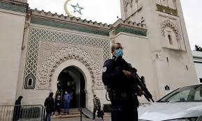 فرنسا تأمر بحل أهم جمعية مدافعة عن حقوق المسلمين على أراضيها
