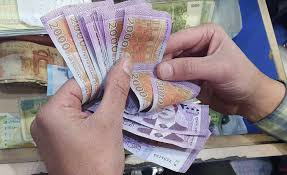 خبير اقتصادي: موظفو النظام  وأصحاب الرواتب هم الطبقة الفقيرة في سوريا