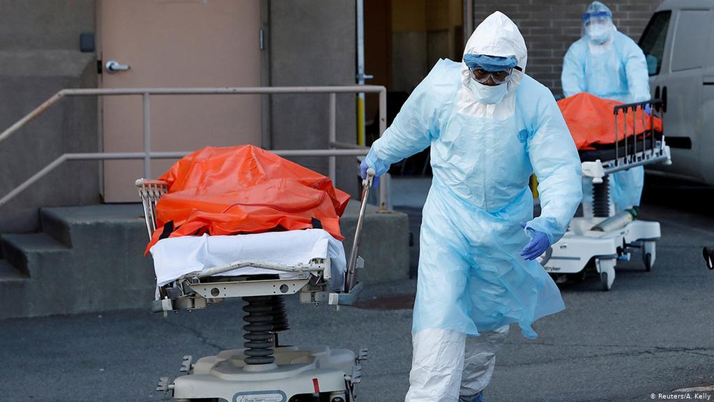 إيطاليا .. أكثر من 850 وفاة بكورونا