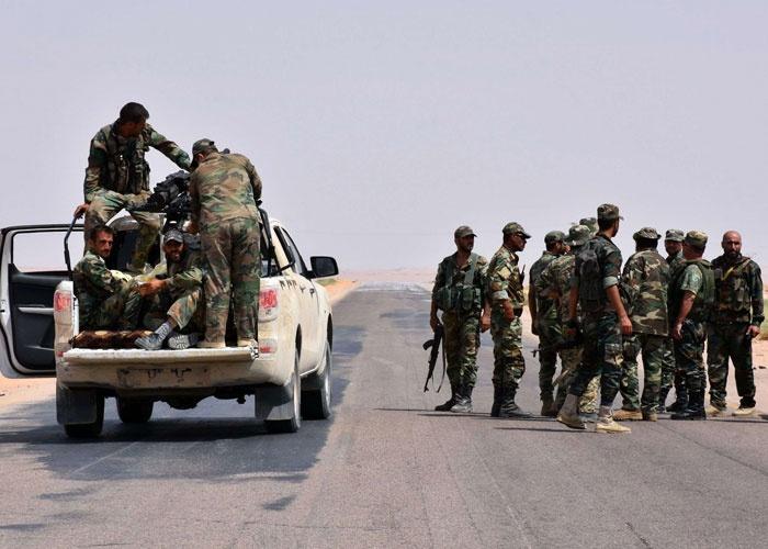مجهولون يعدمون عناصر للنظام السوري بريف الرقة