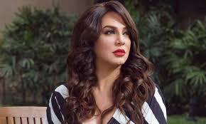 مذيع قناة ألمانية يحرج الممثلة سلاف فواخرجي بسبب بشار الأسد