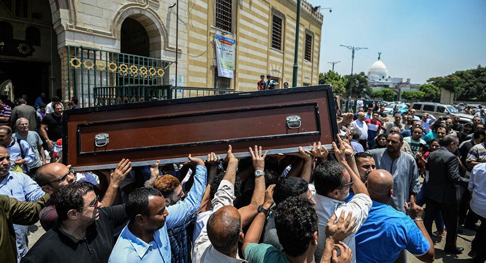 شاب يعود  من الموت أثناء تشييع جنازته