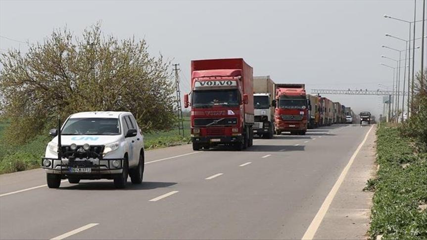 36 شاحنة مساعدات أممية تدخل إلى إدلب قادمة من تركيا