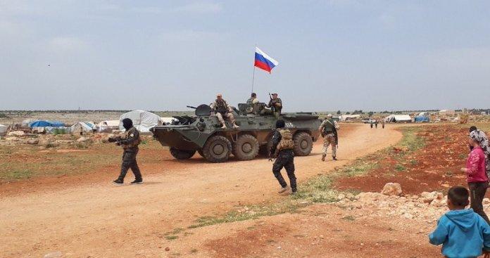 مصادر: القوات الروسية تعود أدراجها إلى مواقعها في تل رفعت بعد انسحابها منها