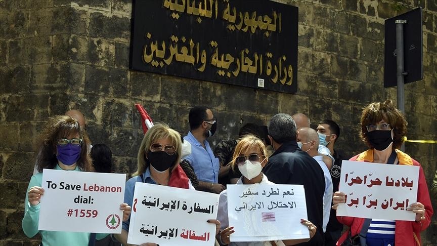 لبنان .. نشطاء يطالبون بقطع العلاقات الدبلوماسية مع إيران