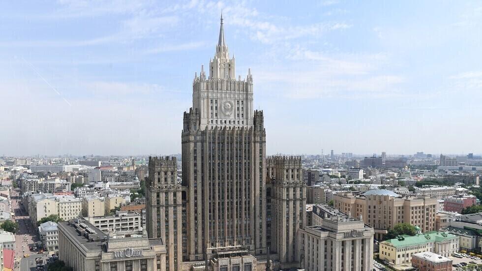 روسيا تطرد 20 دبلوماسيا تشيكيا