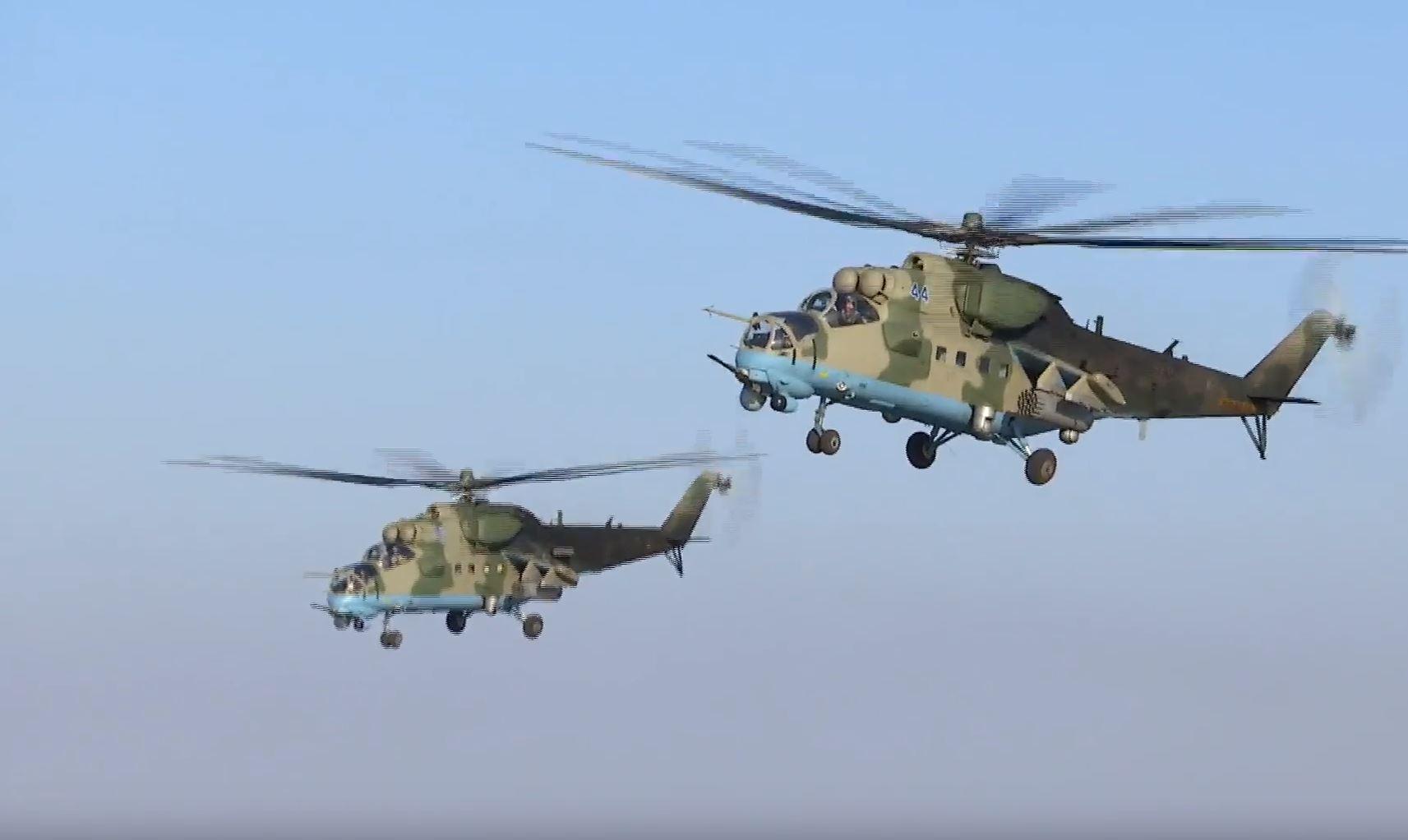 مروحيات روسية تساند ميليشيا القاطرجي ضد الفرقة الرابعة