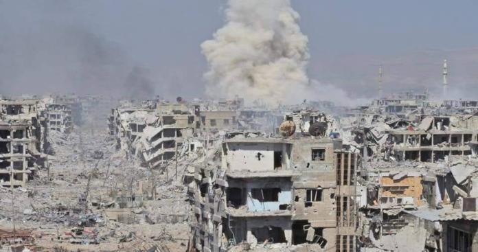 عشرات الجثث لا زالت تحت أنقاض مخيم اليرموك ومنظمة تطالب النظام بانتشالها