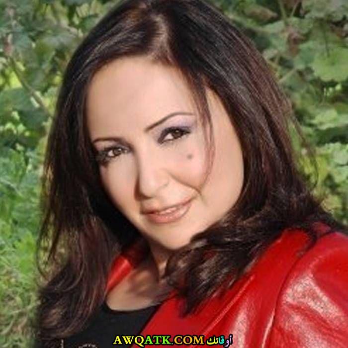 ممثلة موالية تشن هجوما غير مسبوق على  نظام الأسد وتتهمه بتطفيش الصناعيين من سوريا