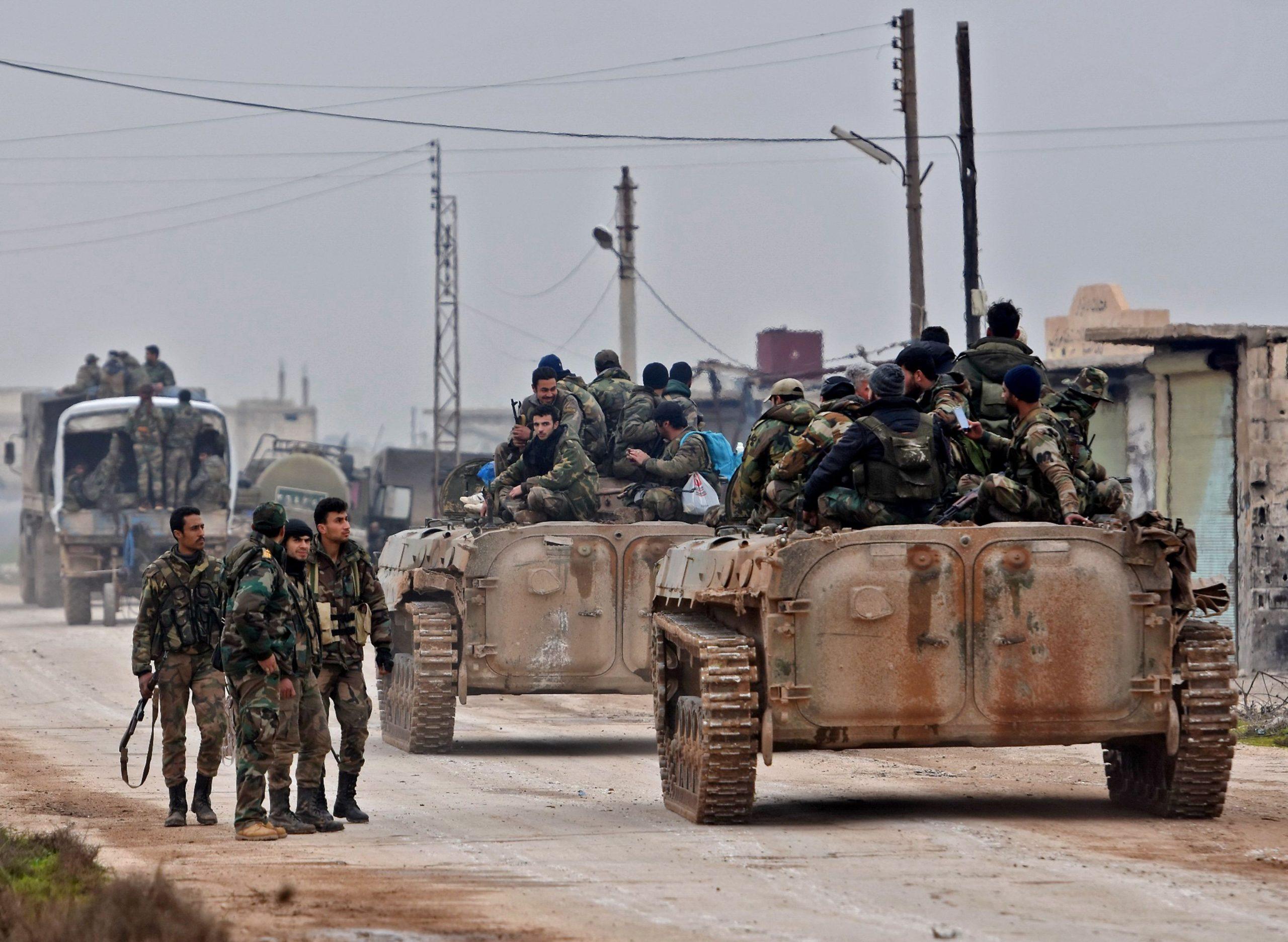 قوات النظام و الميليشات الحليفة ترسل تعزيزات ضخمة للبادية السورية