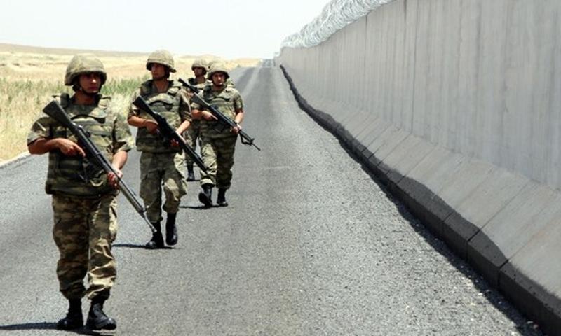 تركيا تعلن اعتقال 12 شخصا خلال محاولتهم التسلل من سوريا