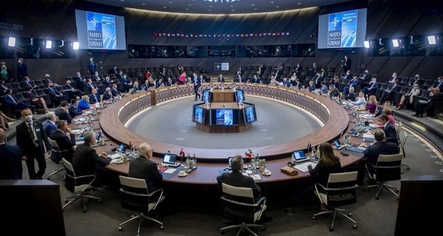 قمة الناتو تتخذ عدة توصيات بشأن سوريا