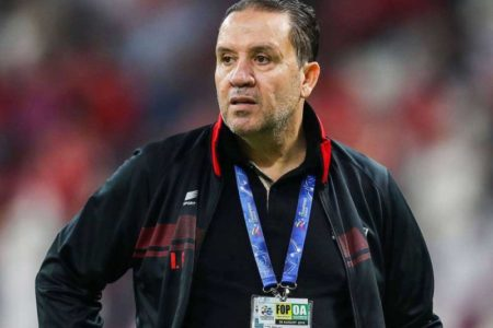 The contract of the regime's national team coach induces the discontent of loyalists to his legendary salary