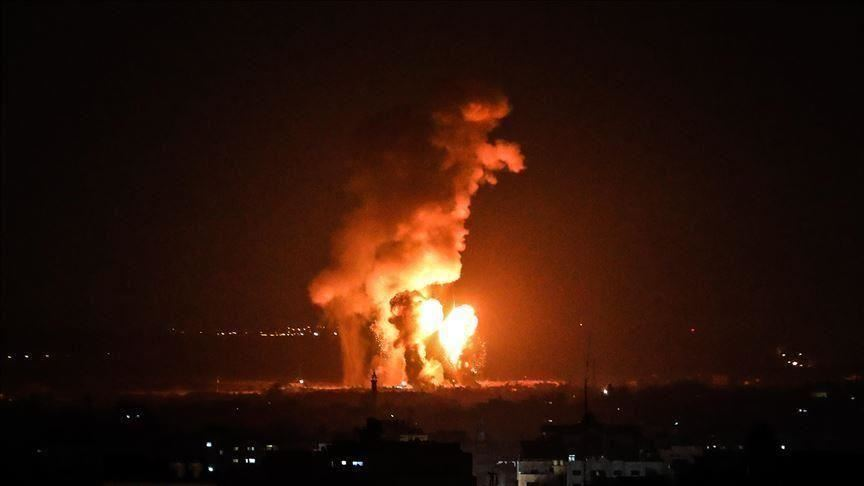طائرات  إسرائيلية تشن سلسلة غارات على قطاع غزة فجر اليوم