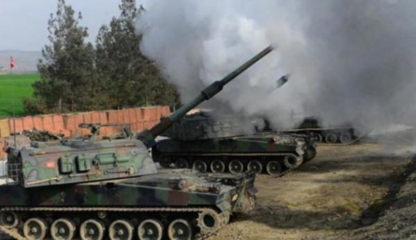 رداً على استهداف إحدى نقاطه...الجيش التركي يقصف مواقع للنظام بريف ادلب