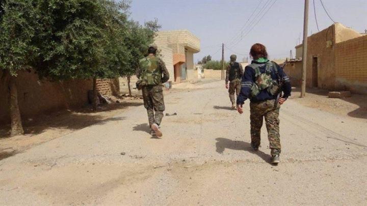 مقتل عنصران من مخابرات النظام باستهداف سيارتهم في ريف درعا