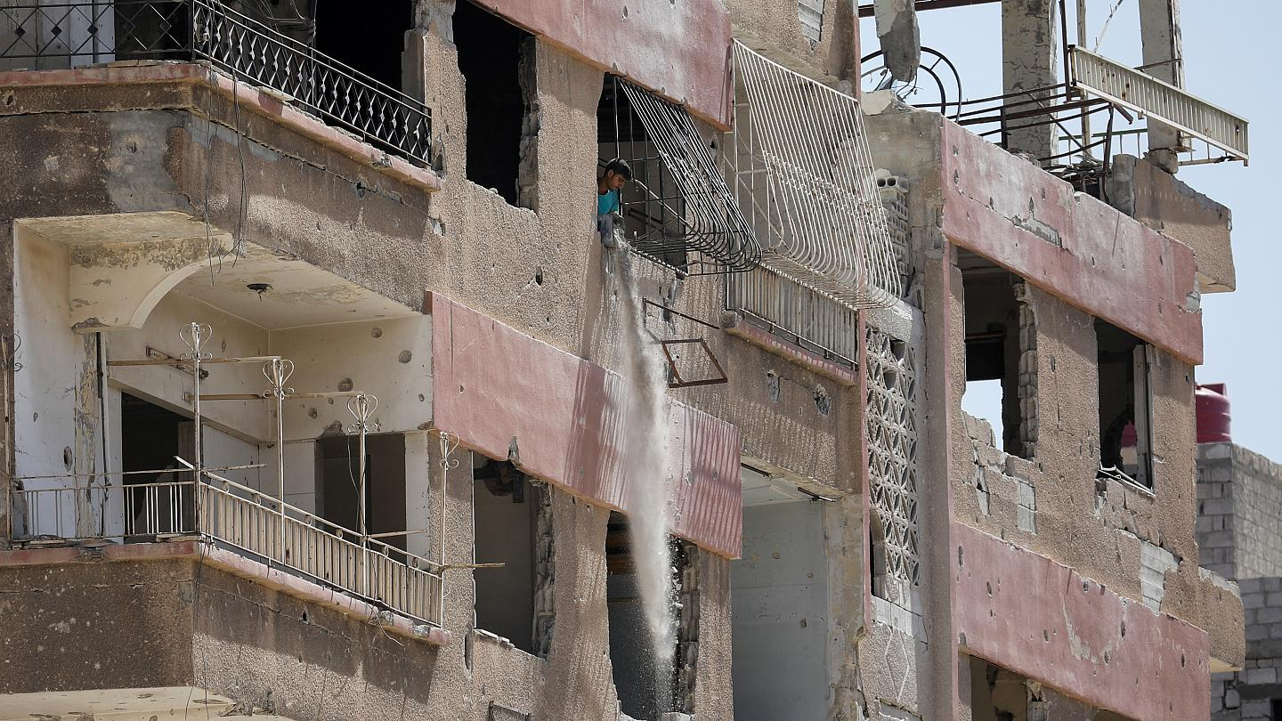 The Syrian regime confiscates the property of the people of Albu-Kamal