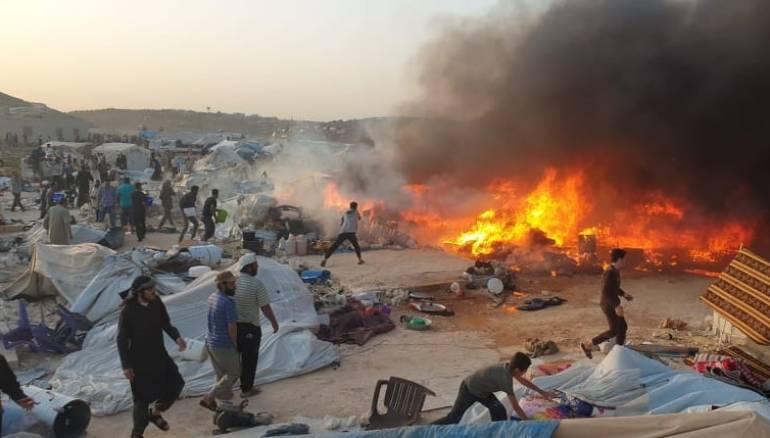 حريق ينهى حياة طفلين في مخيم بإدلب