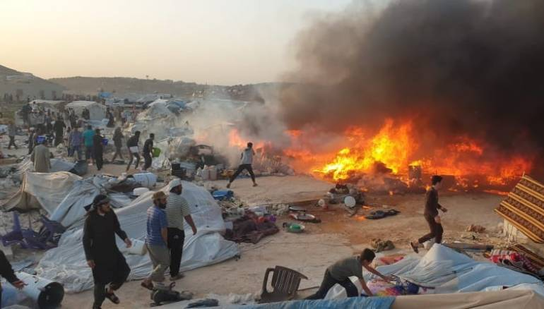 A fire ends two children's lives in a camp in Idlib