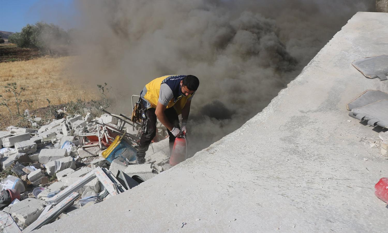 مقتل عنصر من الدفاع المدني بقصف للنظام على ريفي حماه وادلب