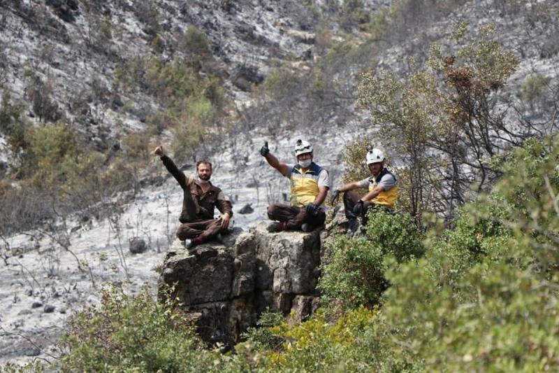 Civil Defense controls large fires west of Idlib, video