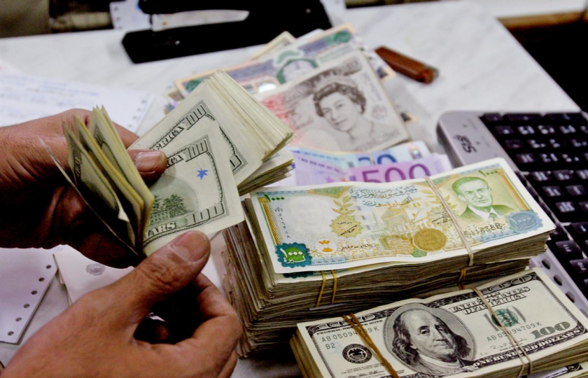 أسعار الدولار و باقي العملات  في افتتاح  تداولات الأحد
