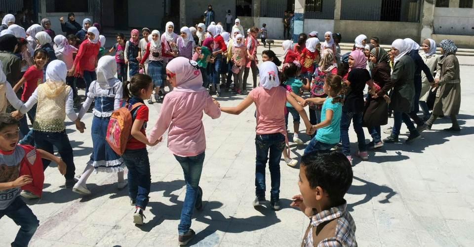 Ten times of the regime.. the interim government raises teachers' salaries