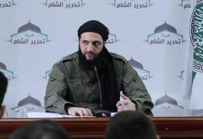 تقرير يكشف عن أهداف الجولاني  وغاياته من الاحتفاظ بالمقاتلين الأجانب في إدلب
