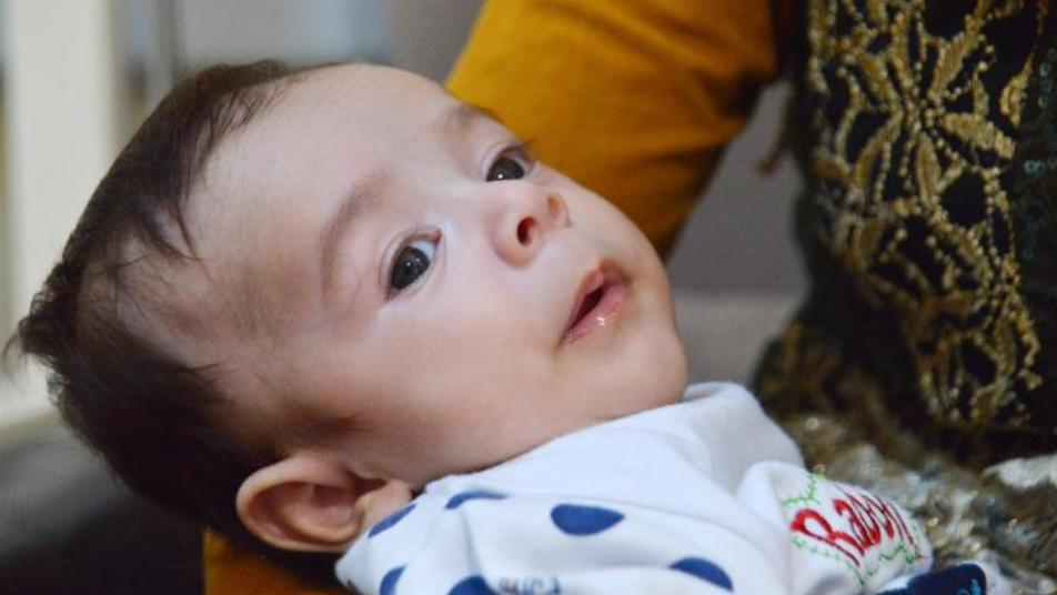 لقب بالطفل المعجزة...أطباء أتراك ينجحون في إنقاذ حياة طفل سوري